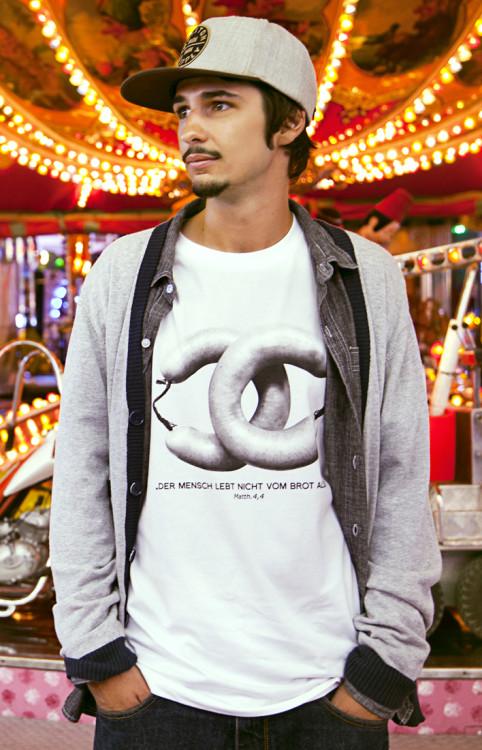 Coco Chanel Arme Wurst Tshirt
