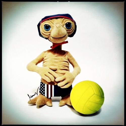 E.T. als Wasserball-Spieler