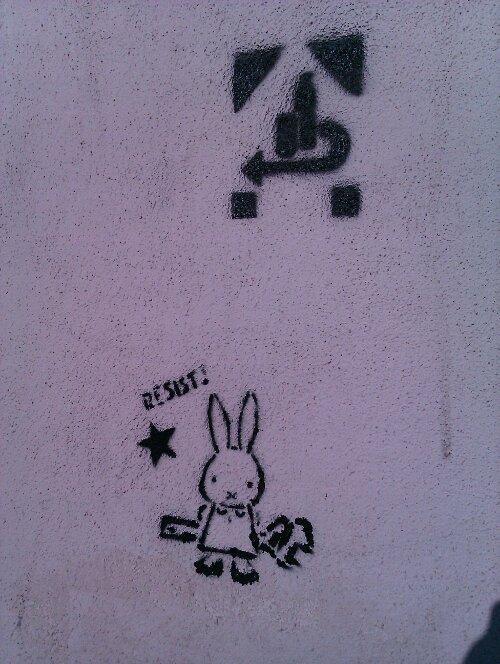 Stencil Graffiti Pfand Symbol & Hase