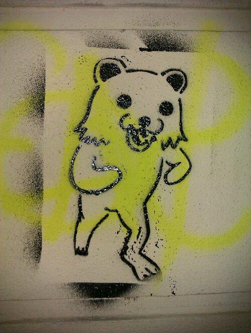 Stencil Graffiti in Dresden: Pedobär